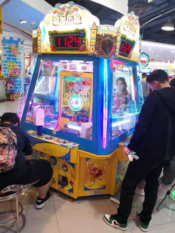Coin Operated Castle Maze Coin Pusher Game Machine For Amusement Game Center